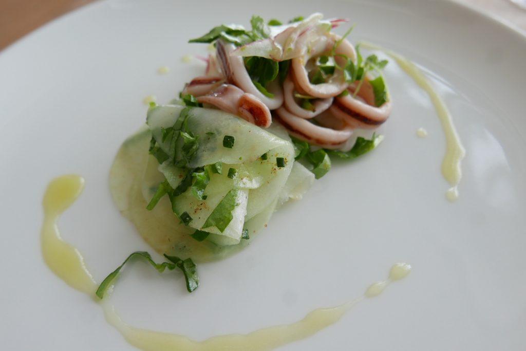 Salade d'encornets, radis et céleri ©GP