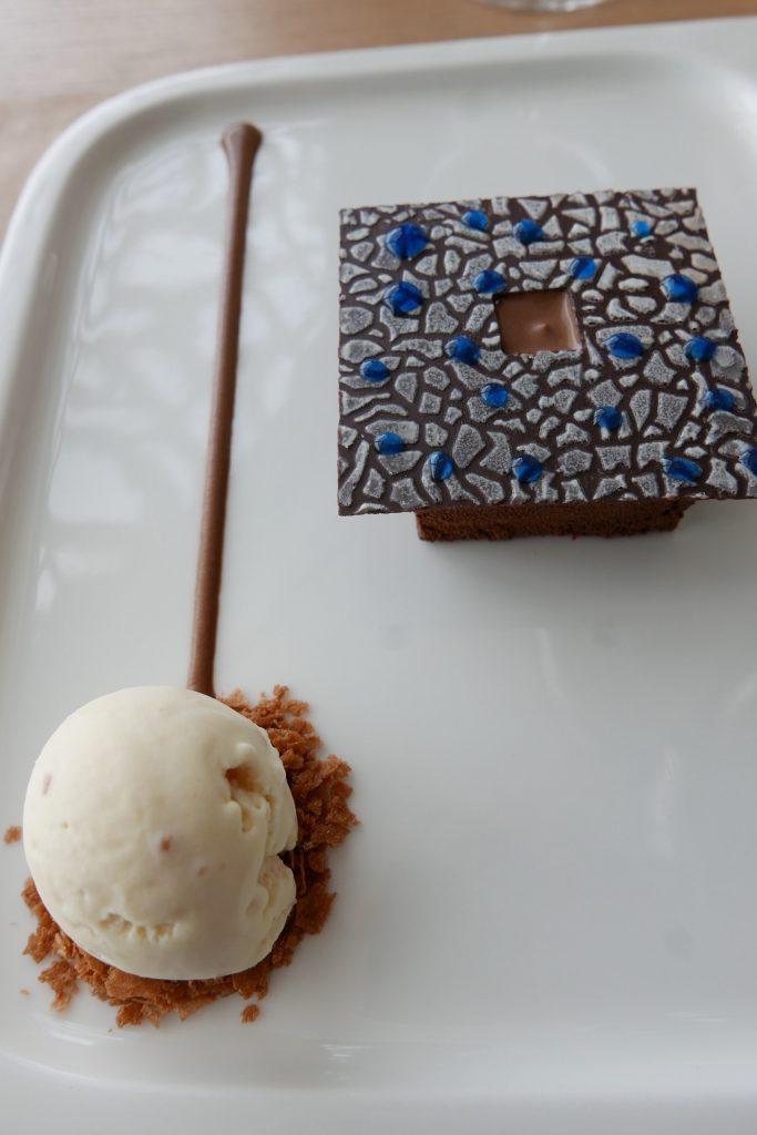 Résille Riccciotti au chocolat, glace nougat et orange sanguine ©GP