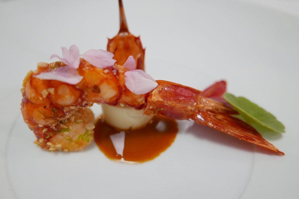 Gamberoni cacahuète et chou fleur, jus de carcasse ©GP