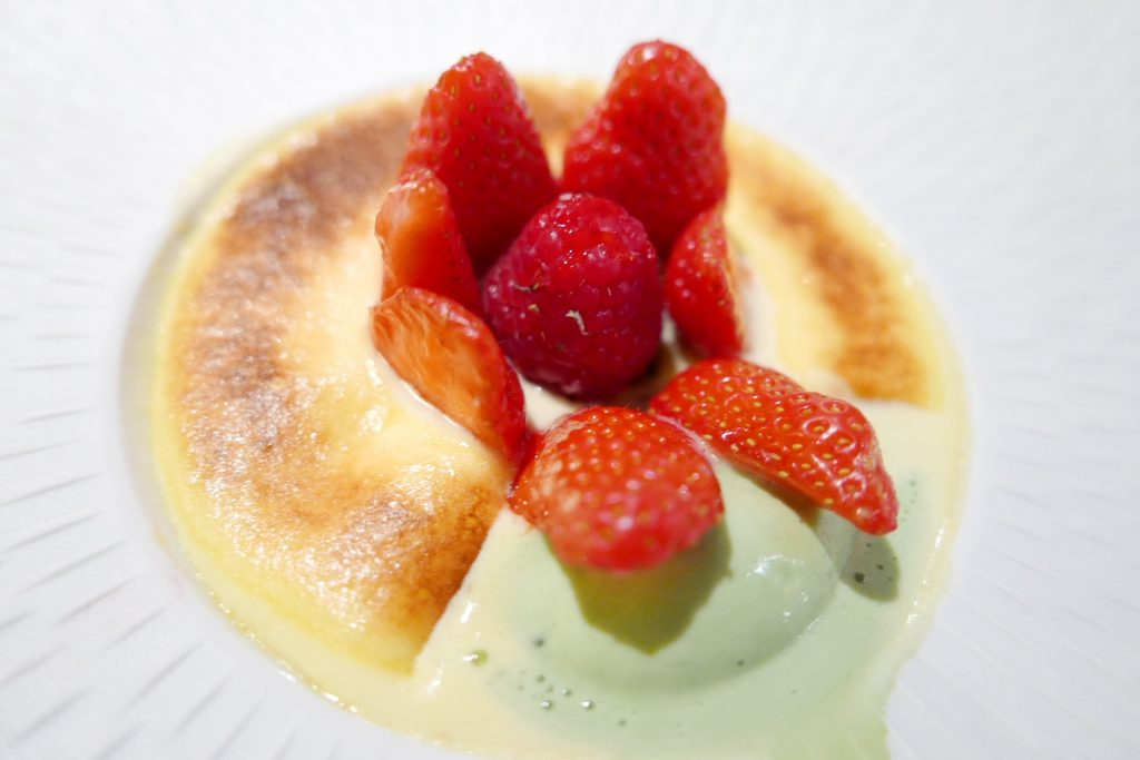 Sabayon aux fraises Gariguette, crème glacée pistache © GP