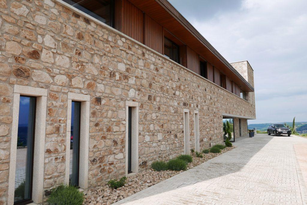 Le nouveau bâtiment de dégustation © GP