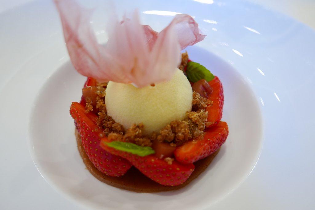 La fraise, la rhubarbe à l'huile d'olive ©GP