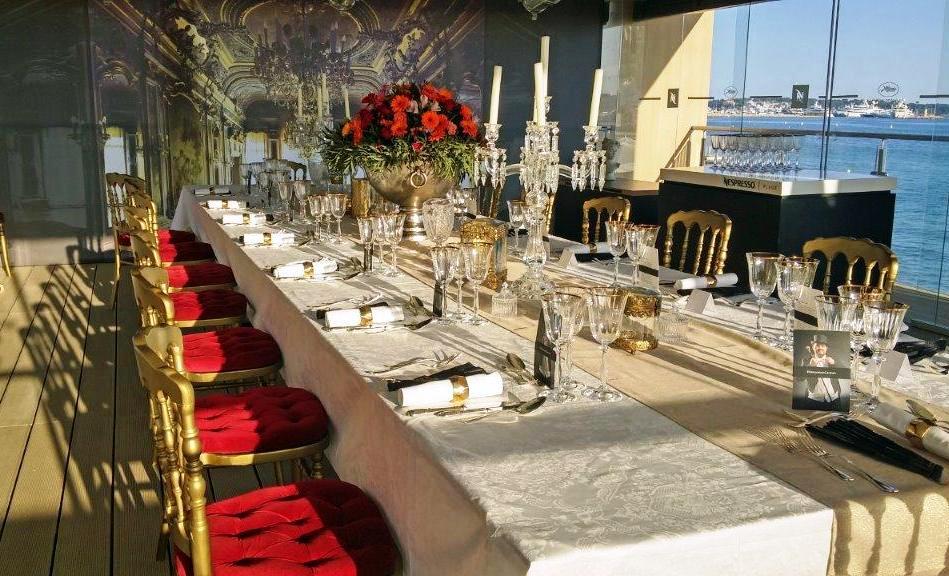 Table VIP © AA