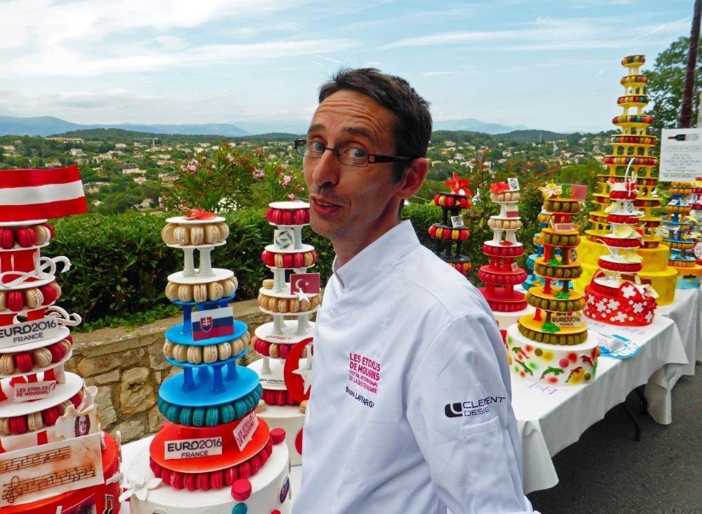 Bruno Laffargue et les macarons de l'Euro ©AA