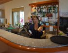 Agnès Ablard au bar ©GP