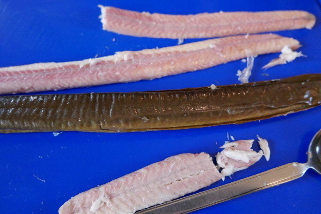 Dégustation d'anguille fumée © GP