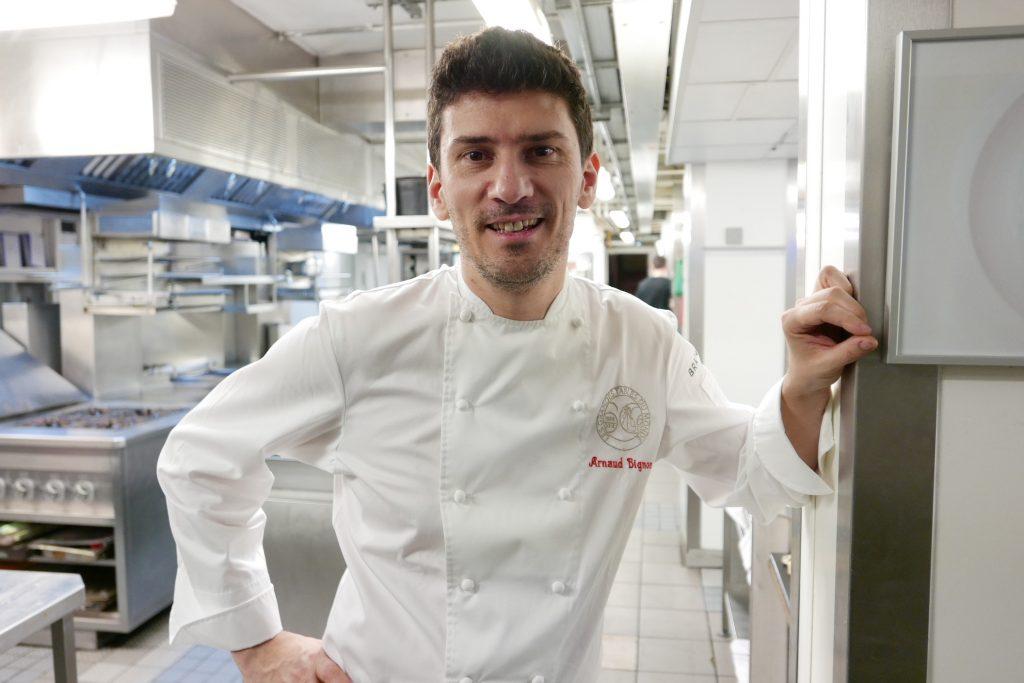 Arnaud Bignon en cuisine © GP