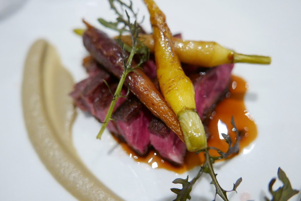 Entrecôte, carotte, aubergine © GP