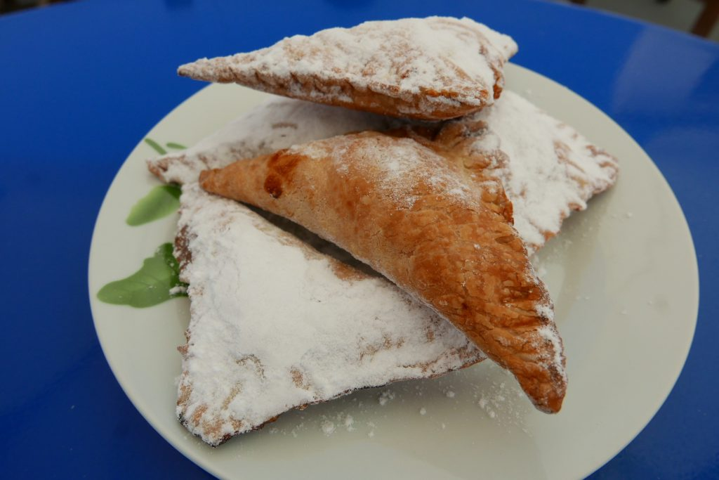 Beignets aux fruits secs © GP