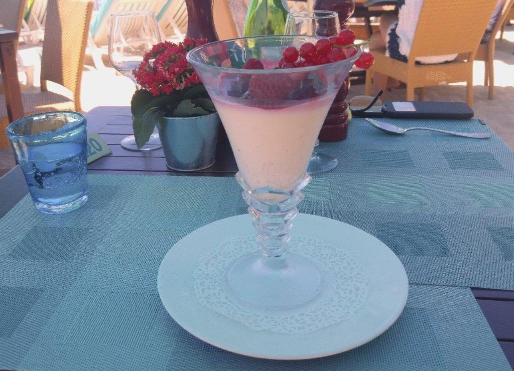 Panacotta aux fruits rouges © AA