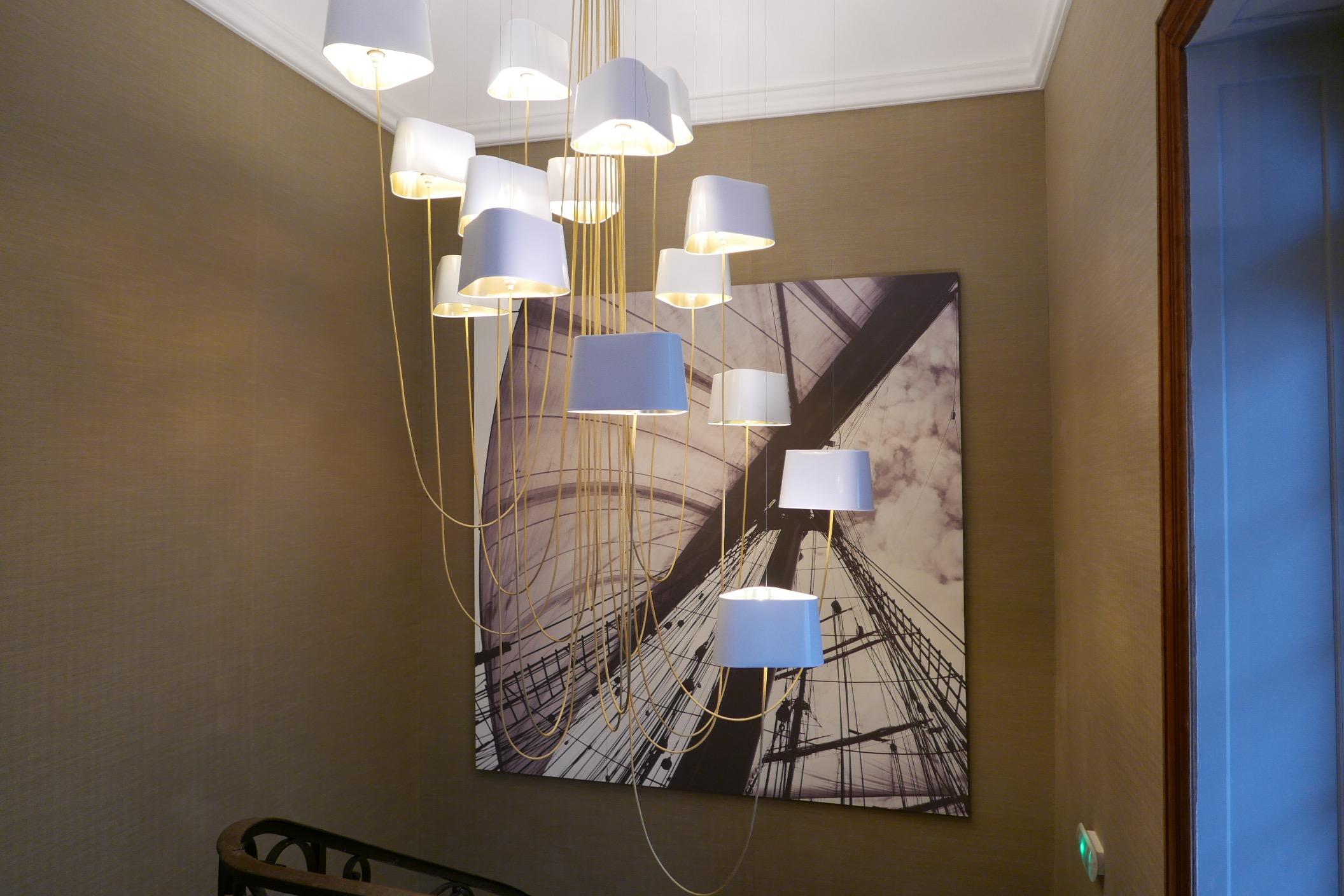 luminaires dans le couloir. Black Bedroom Furniture Sets. Home Design Ideas