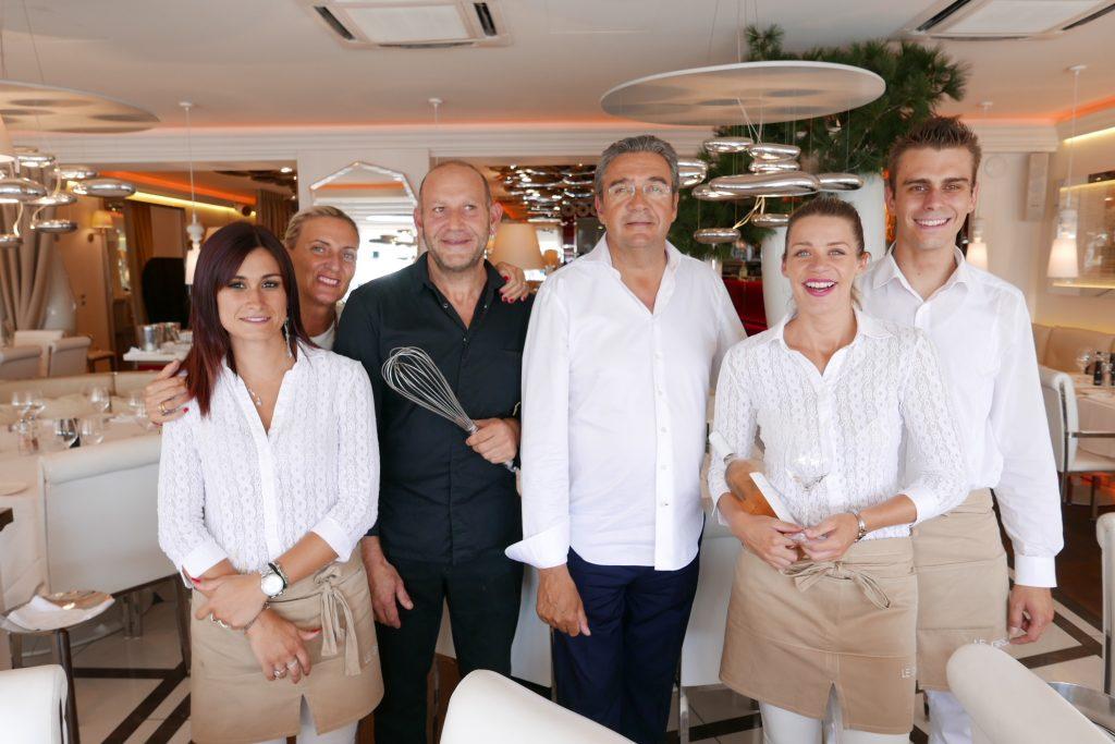 L'équipe autour d'Aimé Stoesser et du chef ©GP