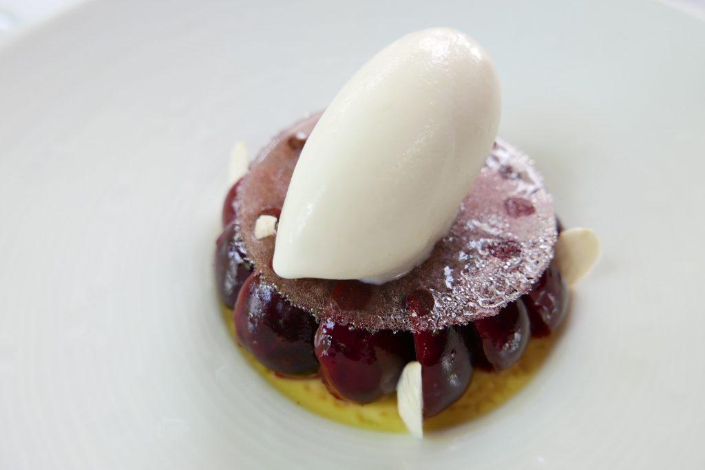 Crème brûlée aux cerises © GP