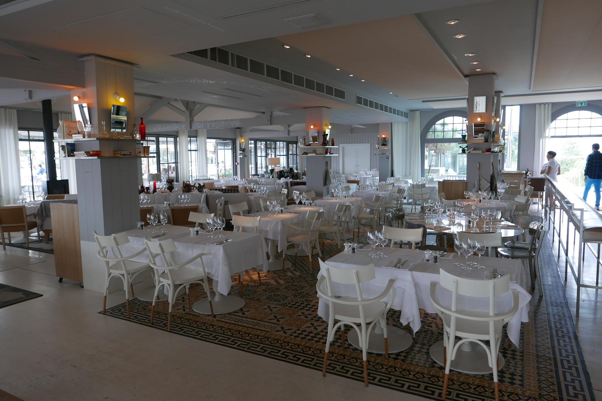 Filets de hareng marin et mousse de chou fleur - Restaurant la corniche arcachon ...