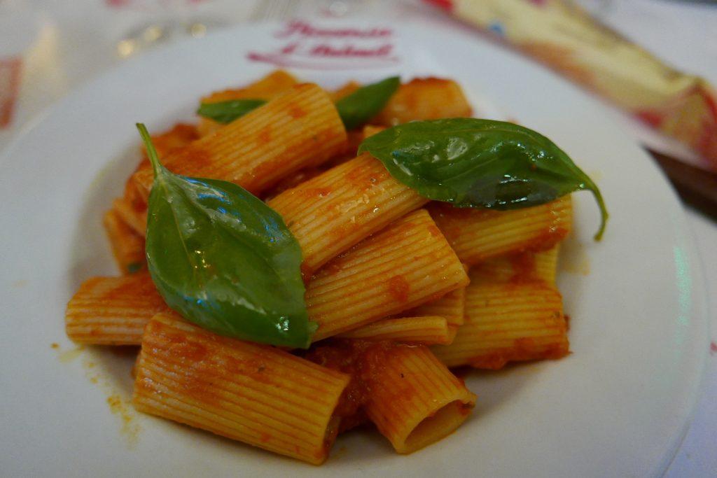 Rigatoni à la tomate © GP
