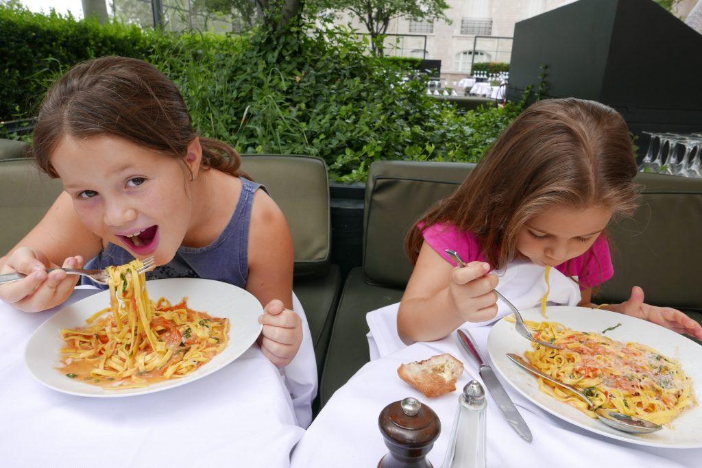 Les mangeuses de taglioni © GP