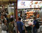 La queue au comptoir du Hill Street Tai Hwa Pork Noodle ©AFP