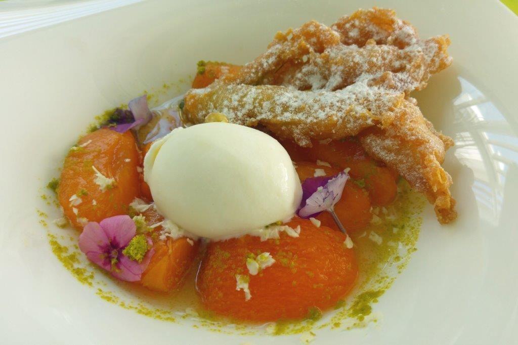 Abricot confit et pistache © AA