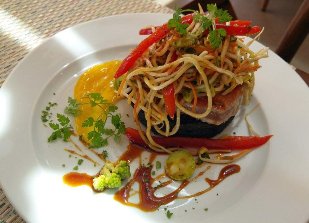 Black burger de thon frais © AA