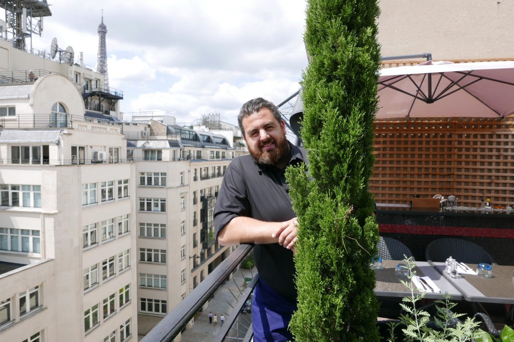 Jonathan Blot en terrasse ©GP