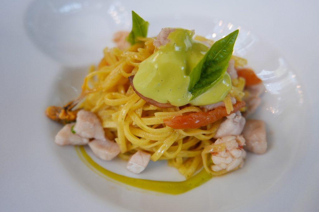 Tagliolini, sauce pistache, fruits de mer © GP