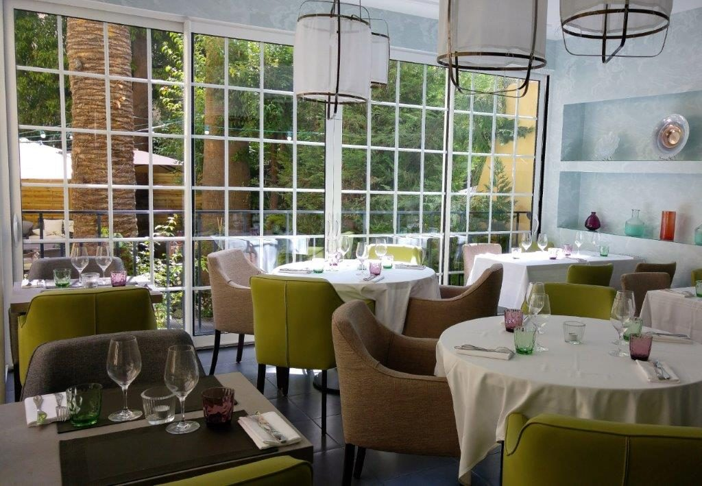 La langouste restaurant nice une langouste new look for Salon veranda