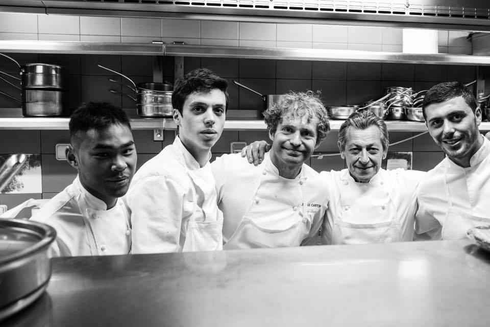 Julien Dumas et Jacques Maximin en cuisine au Lucas-Carton © SR
