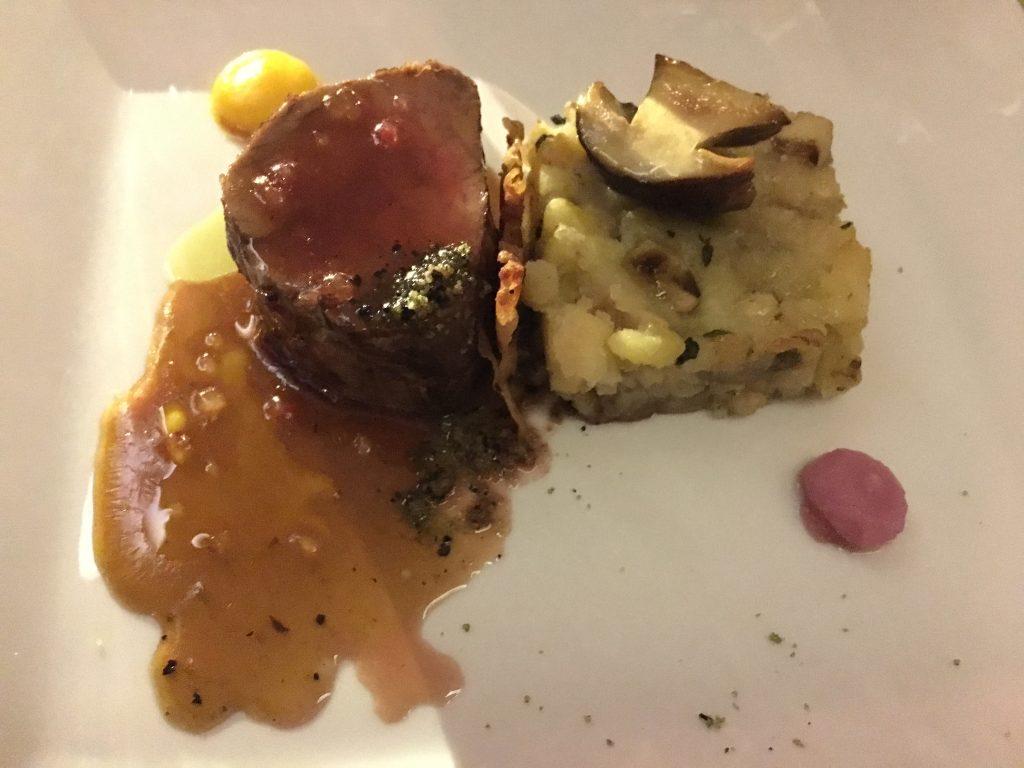 Filet de veau, gâteau de pommes de terre aux cèpes ©GP