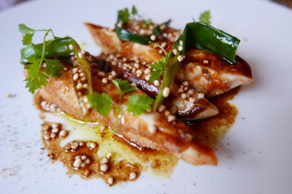 Volaille de Normandie et foie gras, maïs et brocolis ©GP