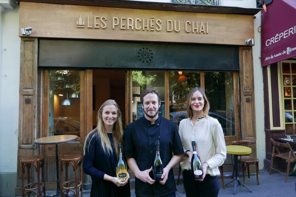 les perch s du chai restaurant paris 18e champagne au perch s du chai coups de coeur. Black Bedroom Furniture Sets. Home Design Ideas
