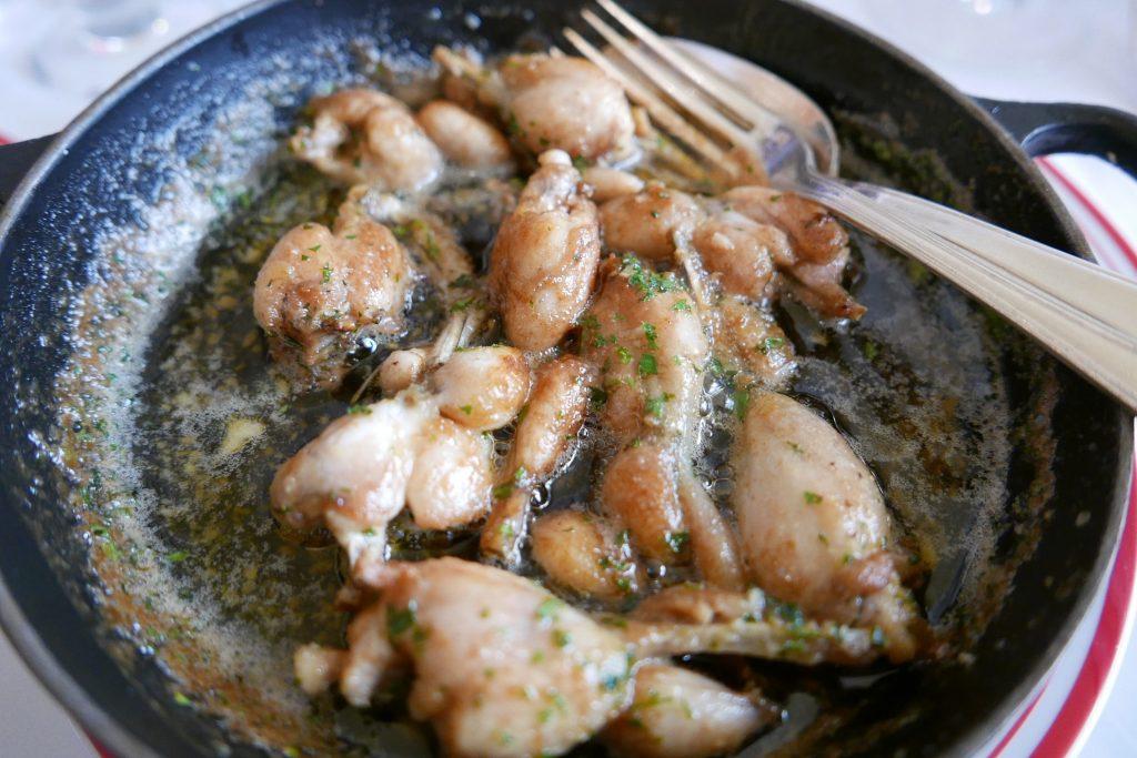 Cuisses de grenouilles persillées © GP