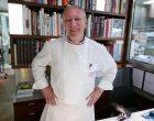 Eric Fréchon en cuisine © GP