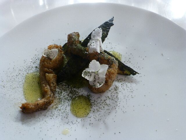 Avocat, cuisses de grenouilles ©DC