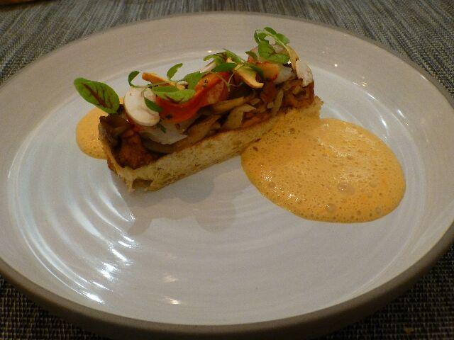 Brioche au beurre, noisette champignon et homard © DC