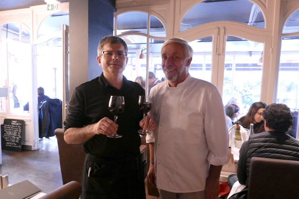 Gérard Idoux et Eric au service © GP