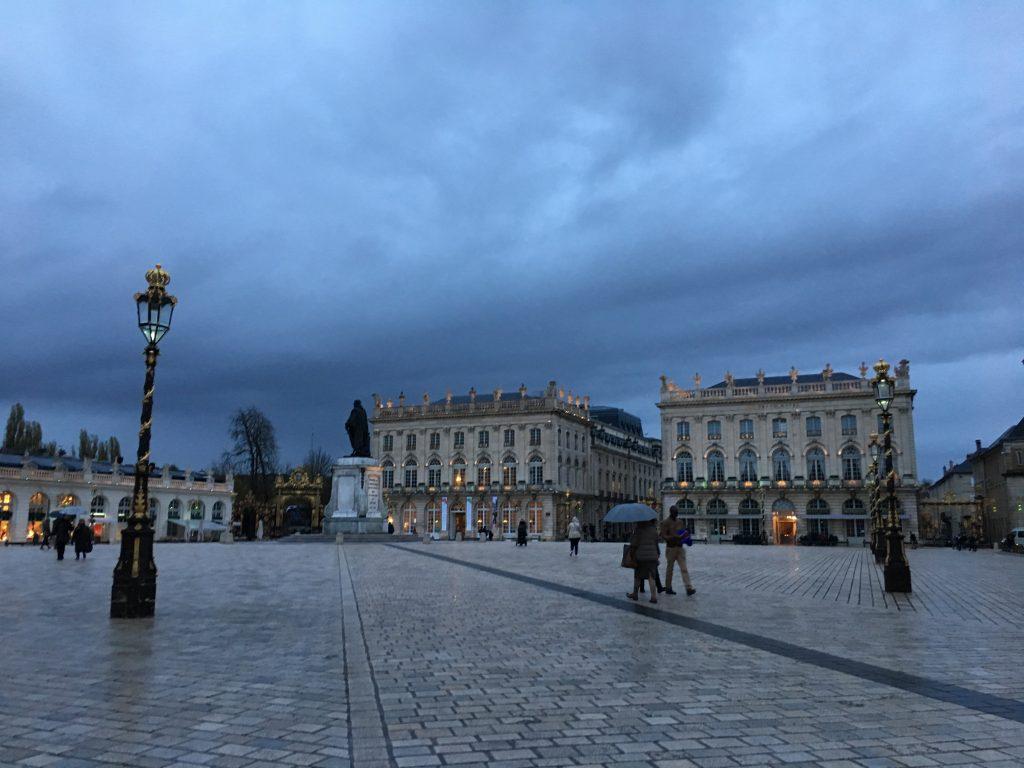 La place Stanislas avec (à dr.) le Grand Hôtel de la Reine © GP