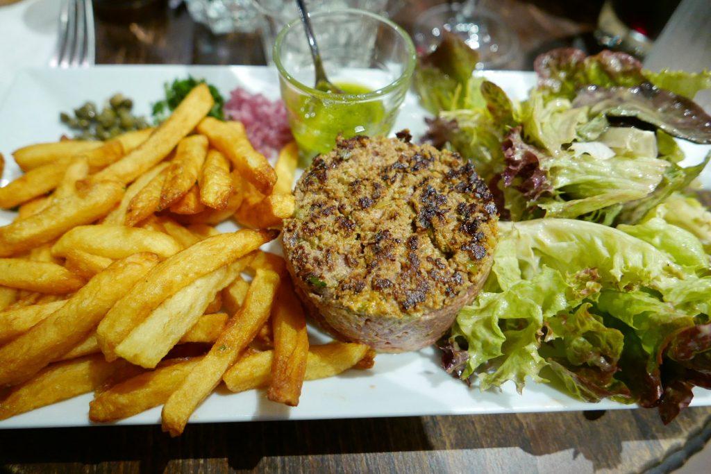 Tartare, pesto, parmesan © GP