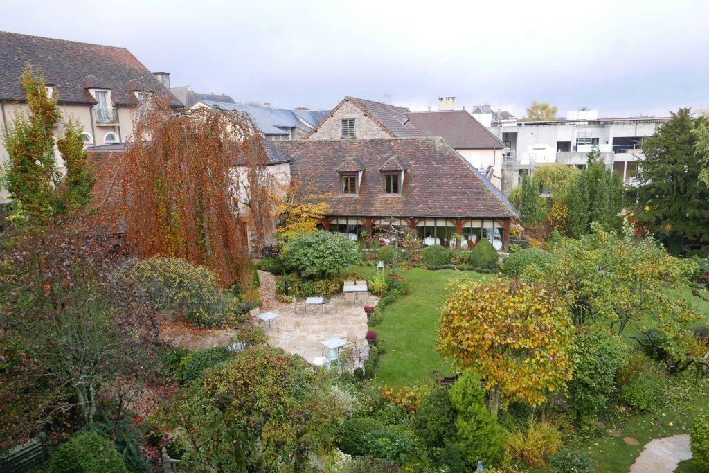 Jardin avec le spa en construction©GP