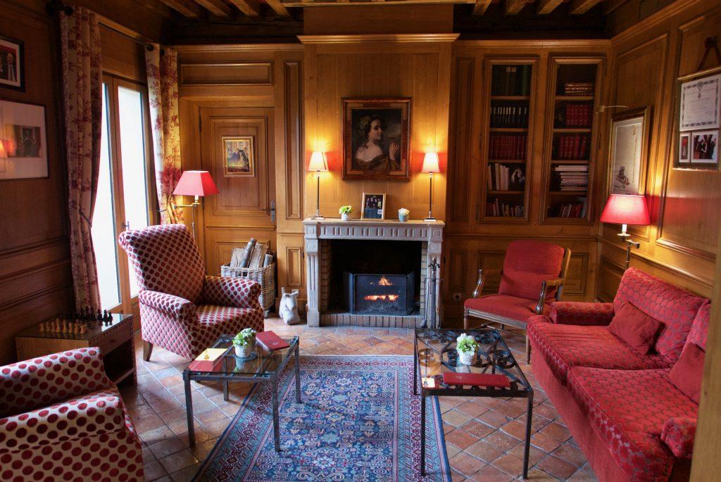 Salon avec cheminée © GP