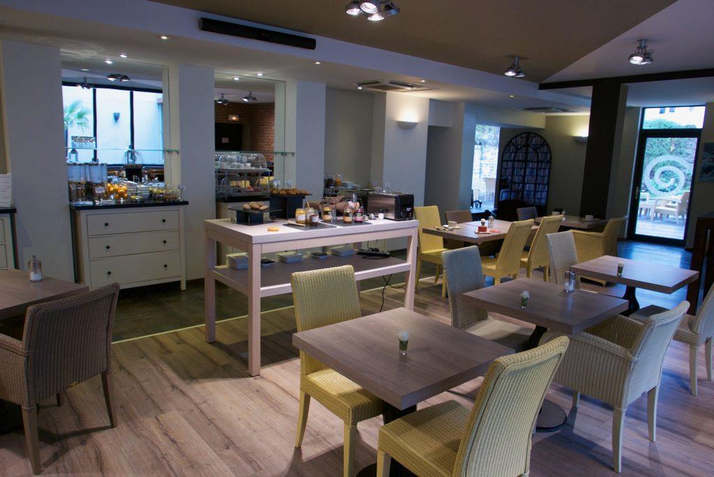 Salle des petits-déjeuners ©GP