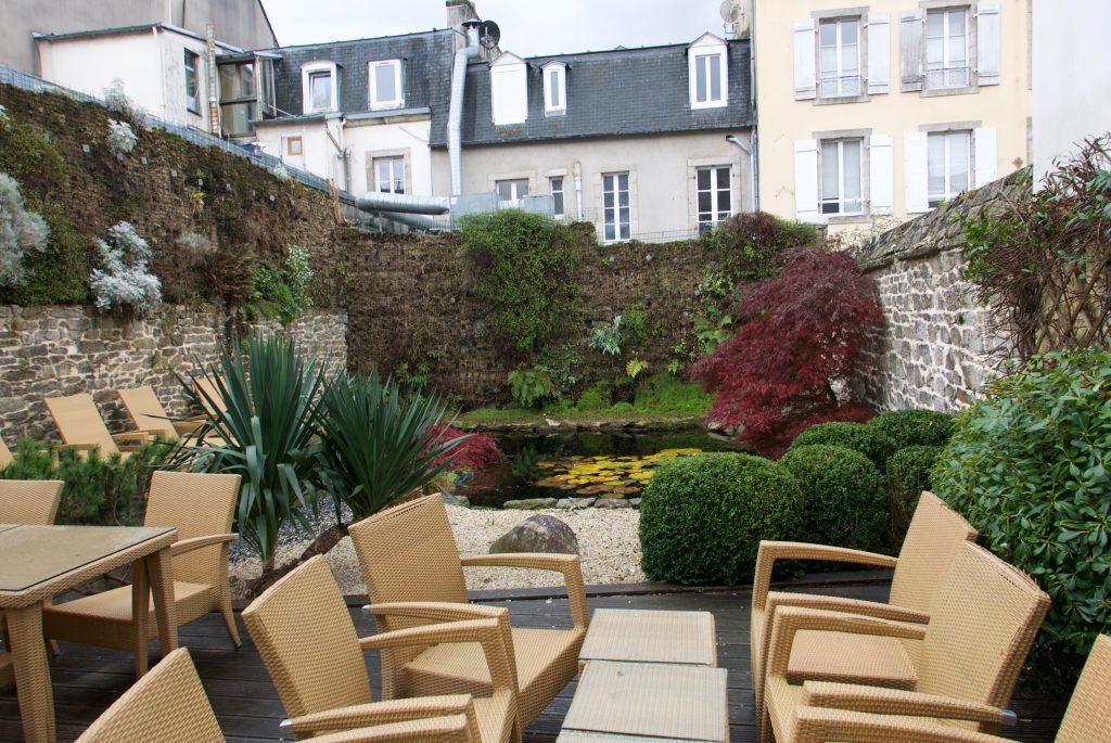 Le jardin zen et le patio © GP