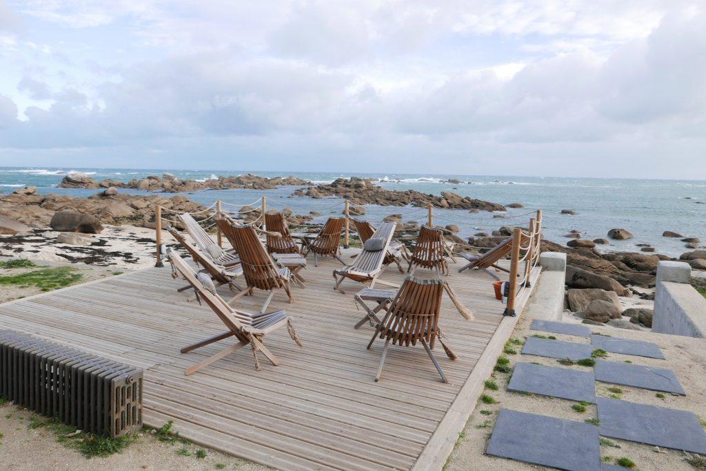 En terrasse face à la mer ©GP