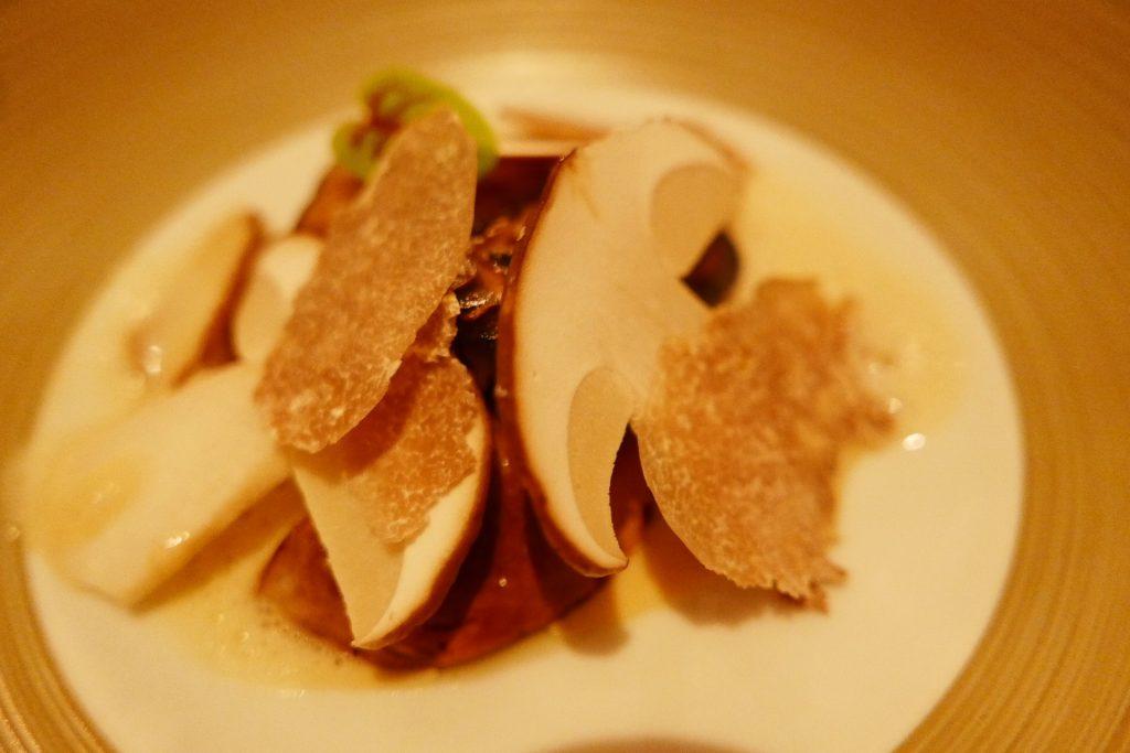Cèpes, truffe d'Alba, dashi ©GP