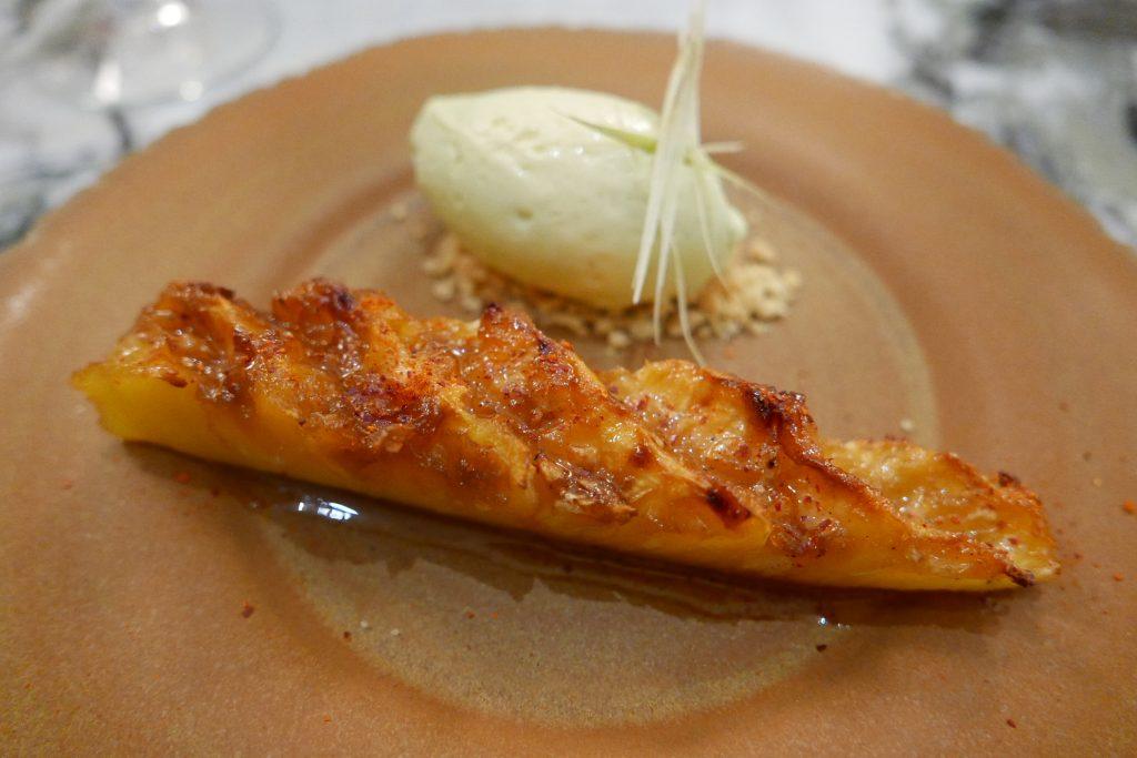 Ananas, piment, vanille, glace citronnelle ©GP