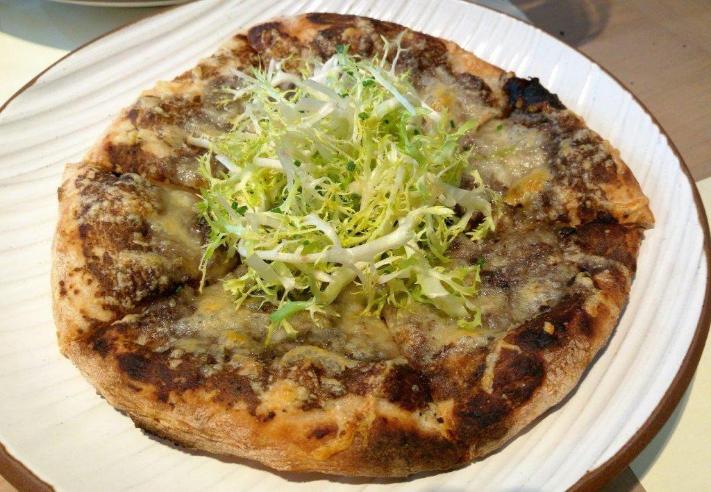 Pizza aux truffes © AA