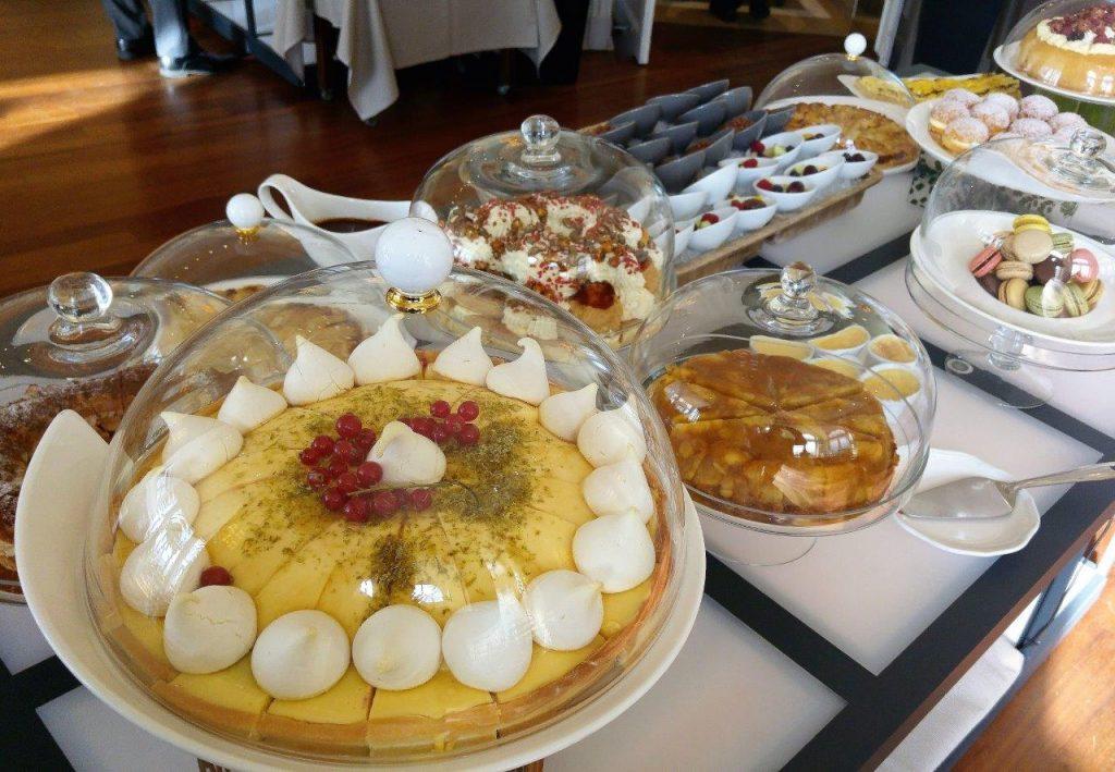 Chariot de desserts ©AA