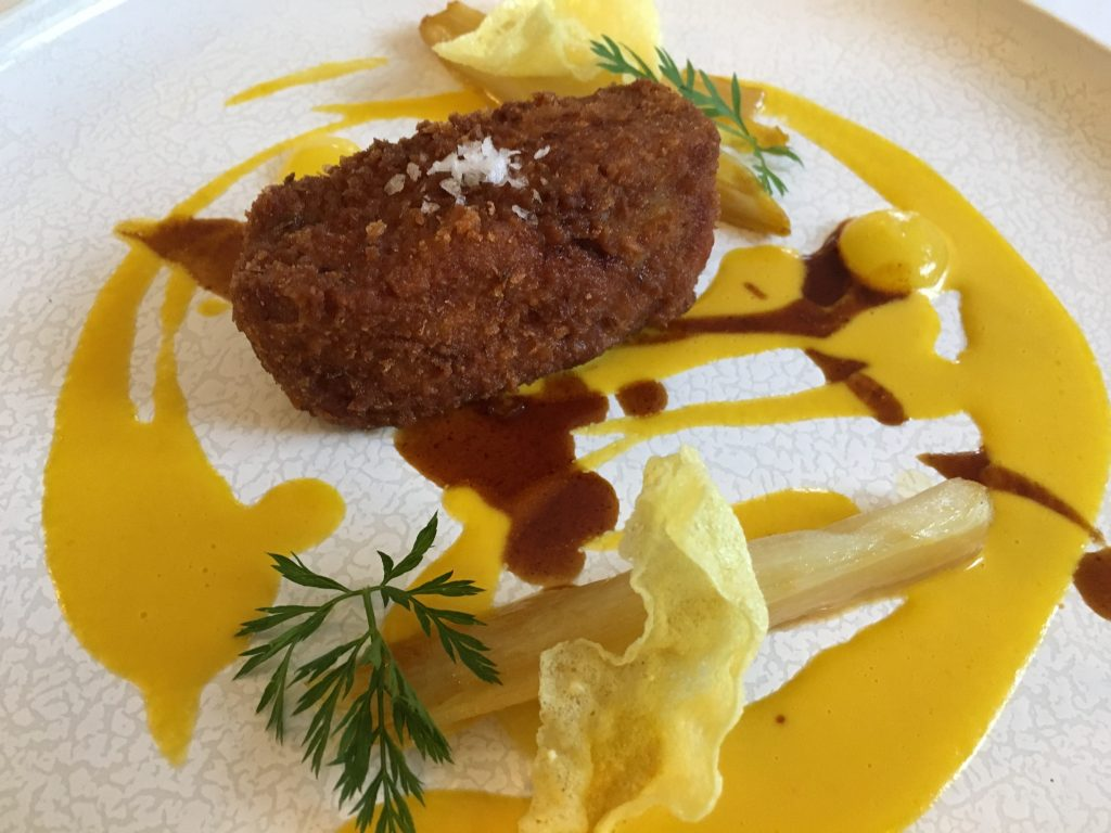 Entrecôte de veau sanato à la milanaise, endives à l'orange ©GP