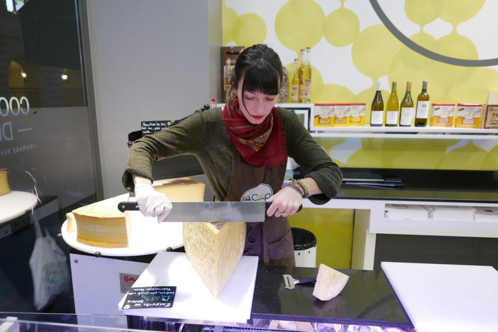 La découpe du fromage © GP