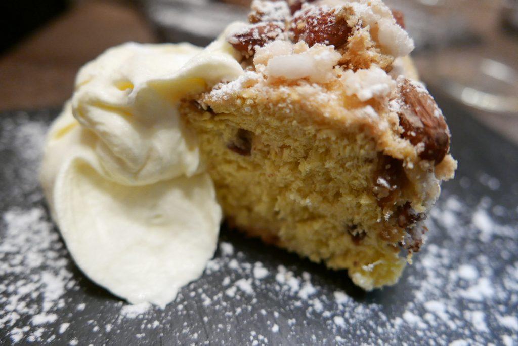 Panettone et crème fouettée © GP