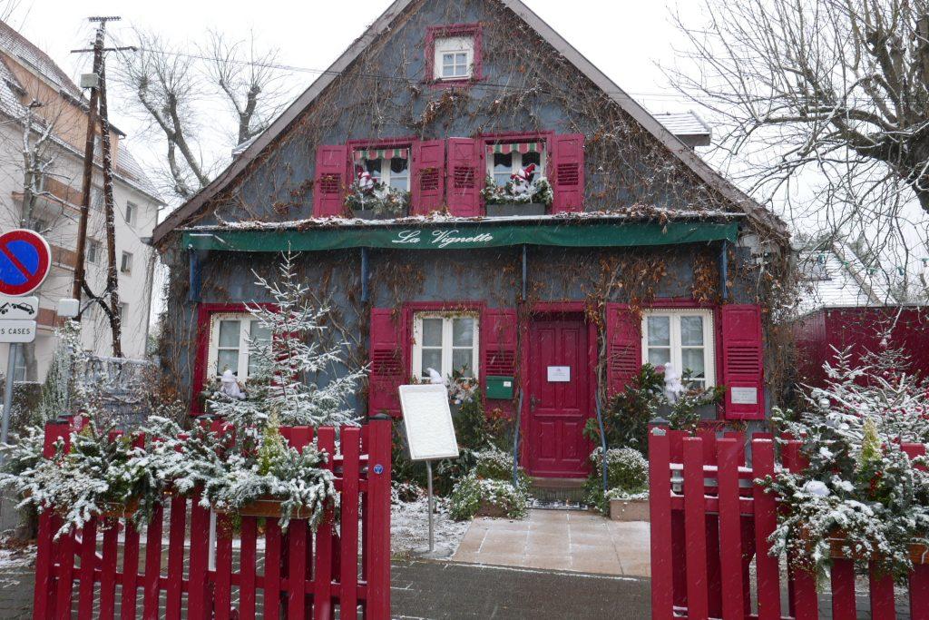 La façade sous la neige © GP